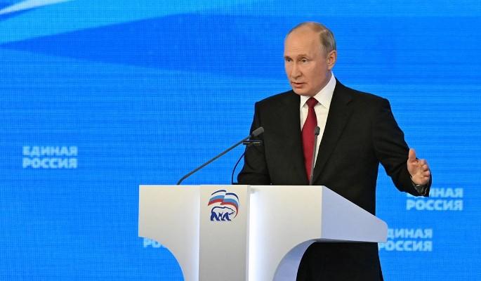 """Путин предложил пятерку лидеров избирательного списка """"Единой России"""""""