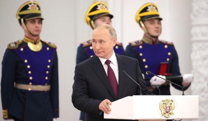 """Путин отметил способность """"Единой России"""" к обновлению и развитию"""
