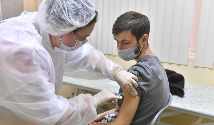 Глава Минтруда заявил о законности отстранения от работы за отказ от вакцинации