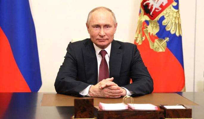 Владимир Путин поздравил россиян с Днем медицинского работника