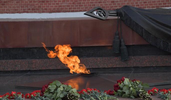 На мемориалах Вечный огонь прошли торжественные церемонии профилактики