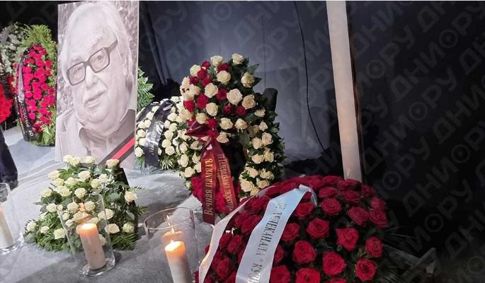 Ушла легенда: звезды рыдают у гроба Лысенко