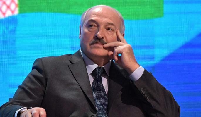 Лукашенко заявил о готовности ввести военное положение в Белоруссии из-за санкций Запада