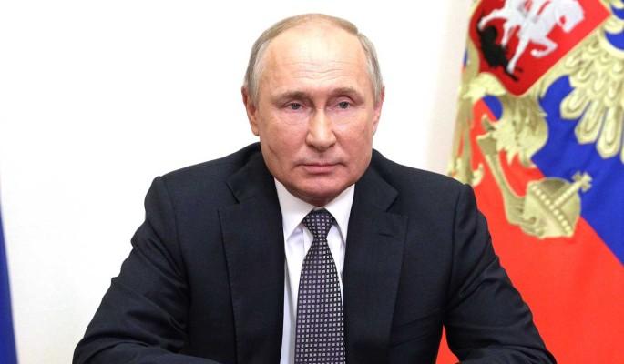 """""""Верю в ваши таланты"""": Путин поздравил выпускников школ"""