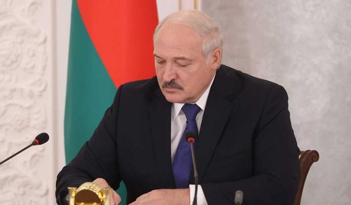 """Лукашенко рассказал о """"тающем"""" суверенитете Украины"""