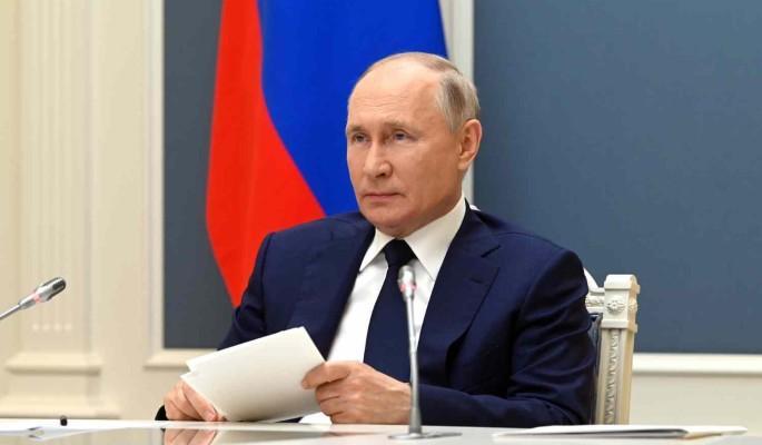 Путин за два дня подписал более 100 законов