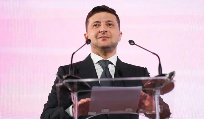 На Украине требуют наказать Зеленского за госизмену
