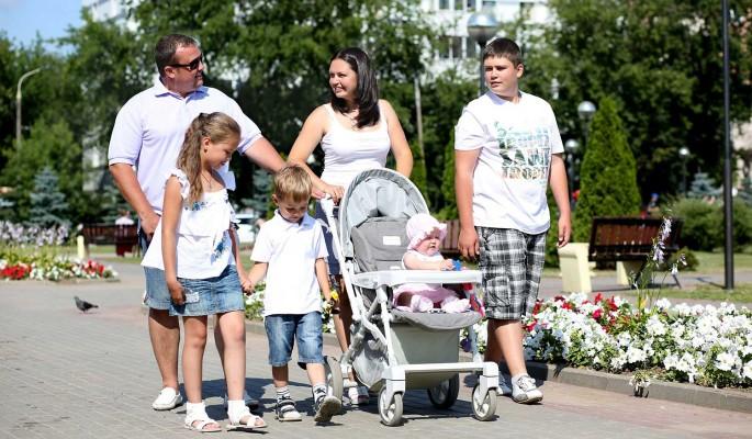 Глава Минтруда: На выплаты семьям с детьми направят 204 миллиарда рублей