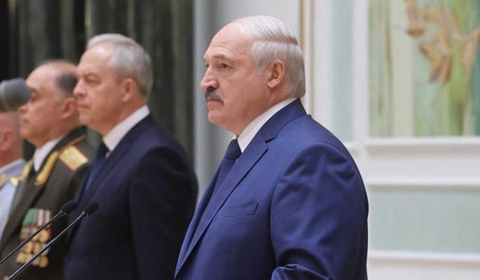 Лукашенко опасается начала войны в Белоруссии: Международной безопасности не существует
