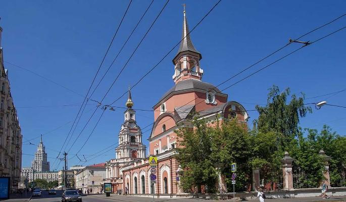 Церкви Апостолов Петра и Павла на Новой Басманной улице вернут исторический интерьер