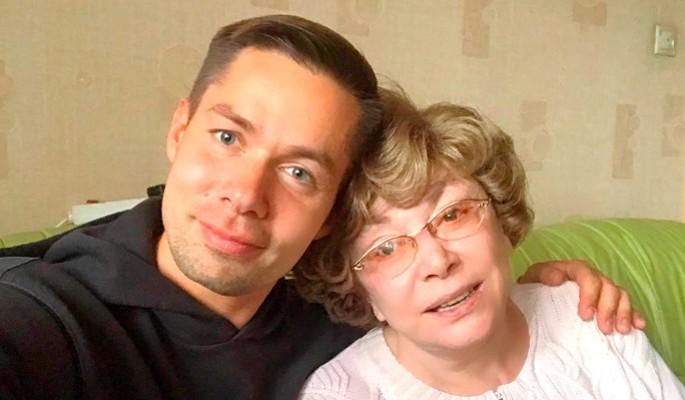 Неожиданно: Пьеху в кокетливых шортиках не сразу узнали на улице Витебска