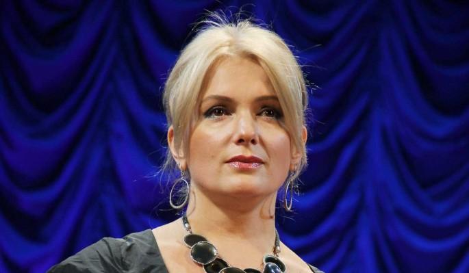 Публика заподозрила Порошину в тайной связи: Обручальное кольцо?