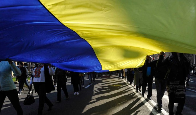 Аналитик Петров рассказал о давлении Запада на Украину