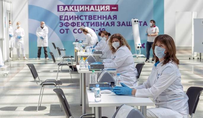 Прививку от коронавируса в Гостином дворе сделали 42 тысячи человек