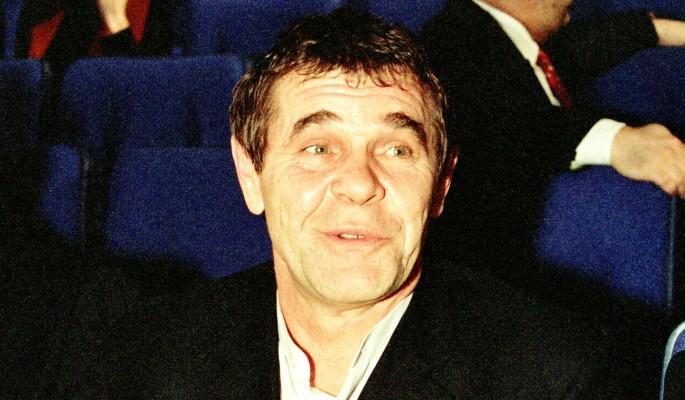 """""""Хором сказали """"нет"""": друзья Булдакова обвинили народ в бардаке на могиле актера"""