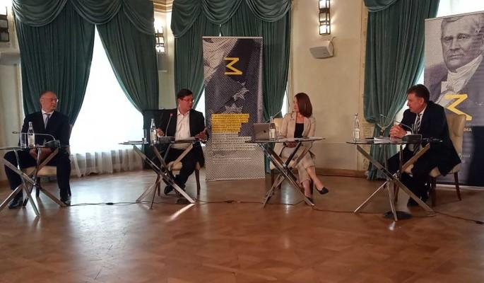 В клубе имени Замятнина обсудили защиту интеллектуальной собственности в Сети