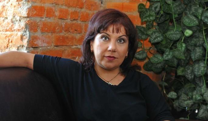 """Мне нравится ее глубина"": 49-летняя звезда Сomedy Woman тайно выскочила замуж за молодого итальянца"