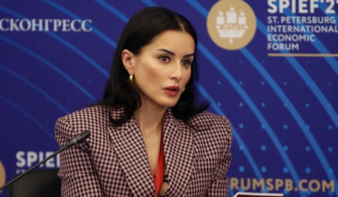 """Канделаки безжалостно проехалась по Собчак: Человек из """"Дома-2"""""""
