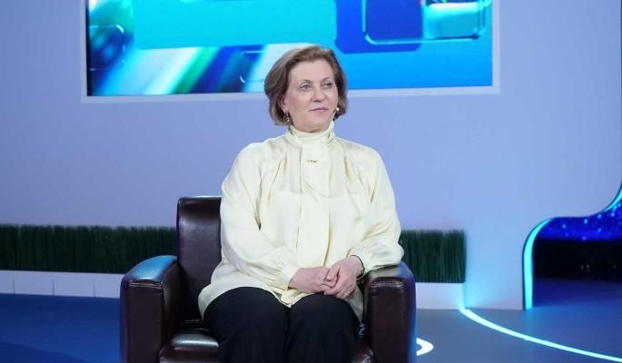 """Анна Попова в эфире общества """"Знание"""": коронавирус стал контагиознее в два-три раза"""