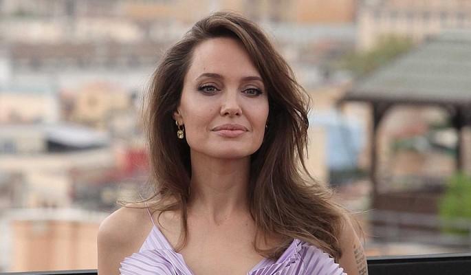 Анджелина Джоли рискнула жизнью: Смертельная опасность