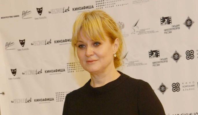"""""""Ты не могла так поступить"""": Анна Михалкова не попрощавшись уехала от сестры"""