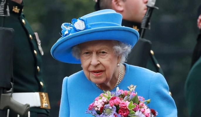 Елизавету II втянули в громкий секс-скандал
