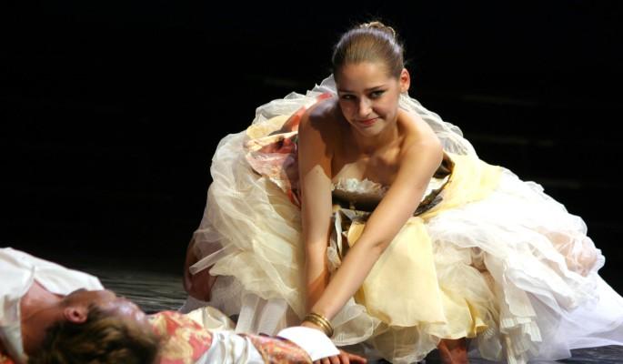 """""""Не женился, я слишком старая"""": отвергнутая молодым актером Тарханова сменила имидж"""