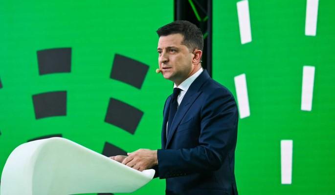 Политолог Березовец: Зеленский вылетел в США со скандалом