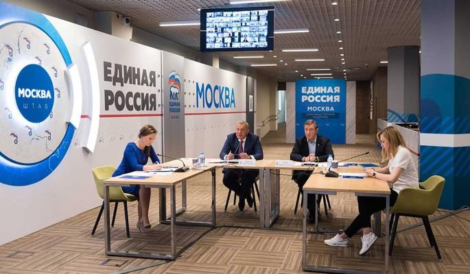 Единая Россия помогла обновить парк школьных автобусов и скорой помощи  Борисов