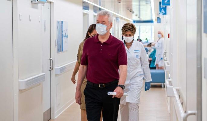 Собянин осмотрел ход реконструкции поликлиник в Марьине
