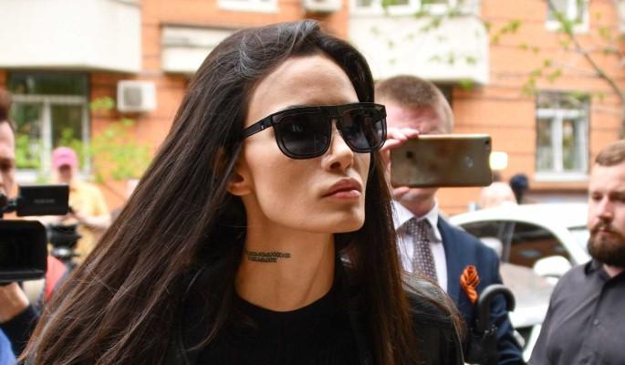 """""""Постоянно бил по голове"""": Мамаева обвинила бывшего мужа в издевательствах"""