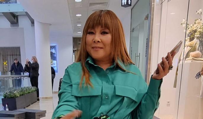 """""""Не порви меня"""": раскидывающая ноги 50-летняя Цой о секс-утехах с мужем после травмы"""