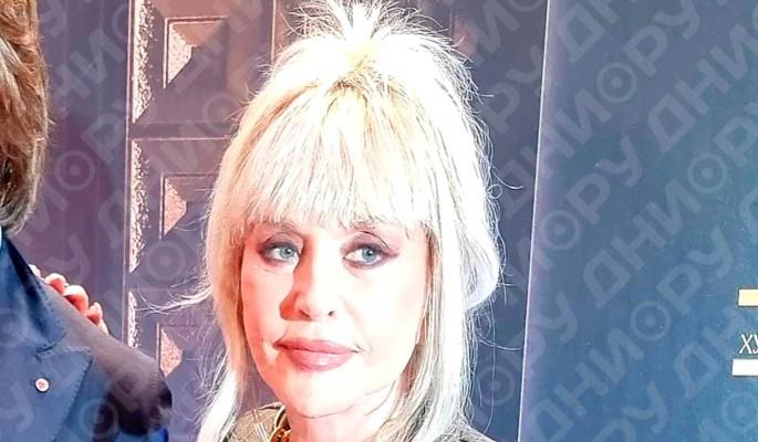 """72-летняя """"мещанка"""" Пугачева побила молодую жену Эрнста"""