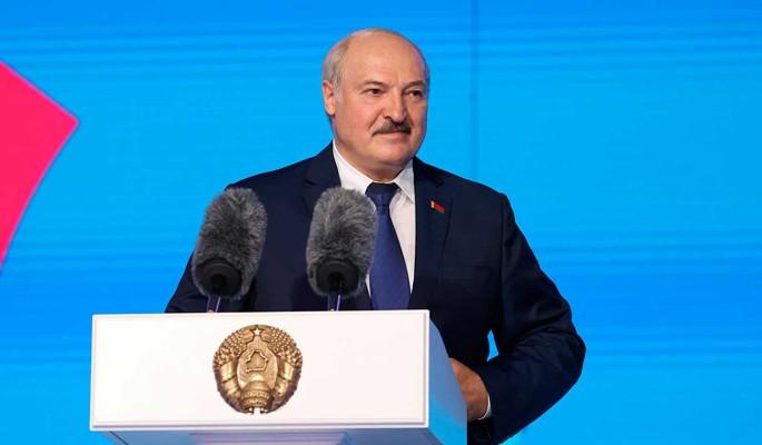 Готов ли Лукашенко лишиться части своей власти из-за союзных программ – ответил политолог Поротников
