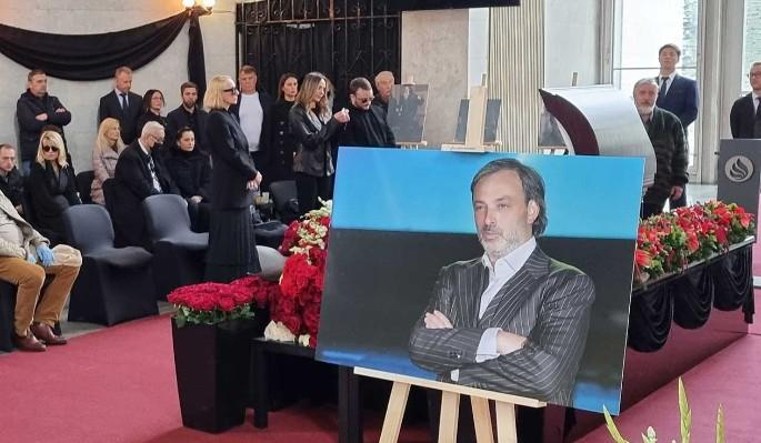 Никому не нужен: скорбящие напоказ в соцсетях звезды плевали на похороны Краснова