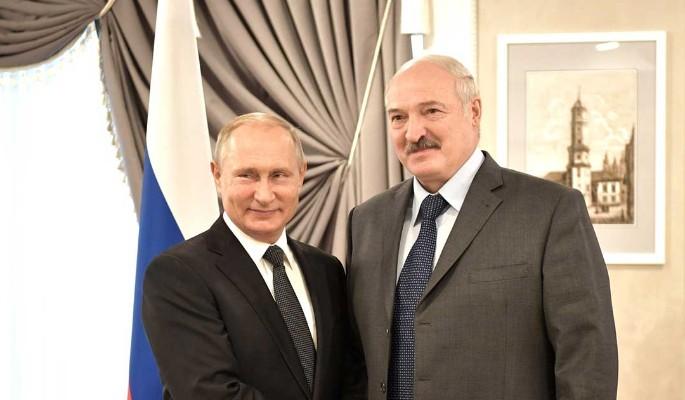 """""""Псы побитые"""": Лукашенко заявил о попытке давления на него через Путина"""
