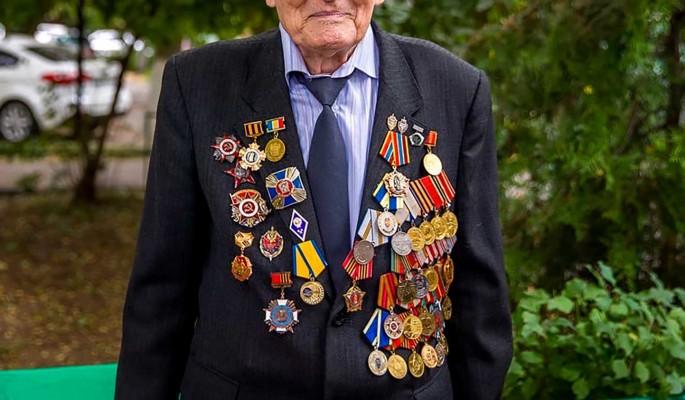 Собянин увеличил размер матпомощи ветеранам в два раза