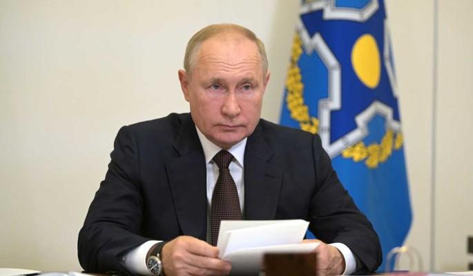 Песков сообщил детали о десятках заболевших коронавирусом в окружении Путина