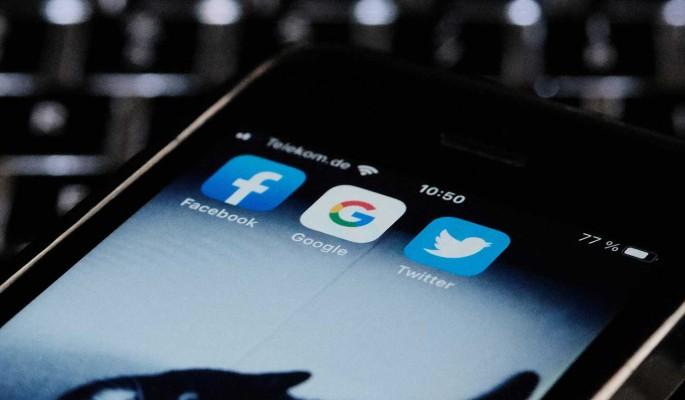 РКН пригрозил Google, Facebook и Twitter оборотными штрафами