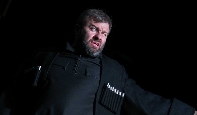 Злющий Пореченков врезал попутчику в автобусе