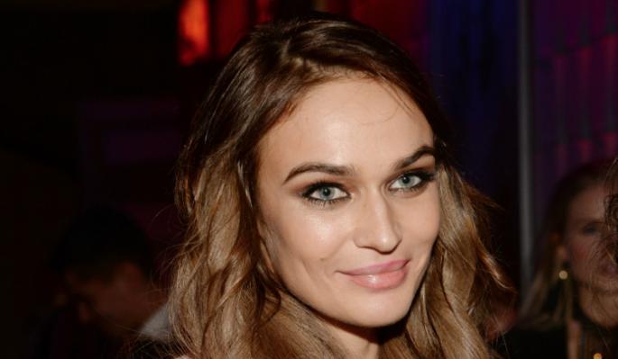 Водонаева плюнула в популярного певца после вручения премии: Все решают связи