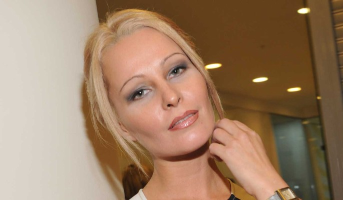 Увела из семьи: известная актриса соблазнила кума с помощью гипноза