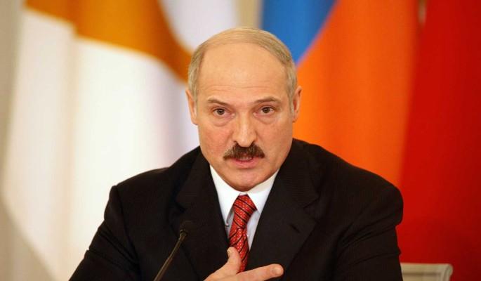 """Политолог Суздальцев: слишком много людей в госструктурах готовы подкинуть Лукашенко """"дохлую кошку"""""""