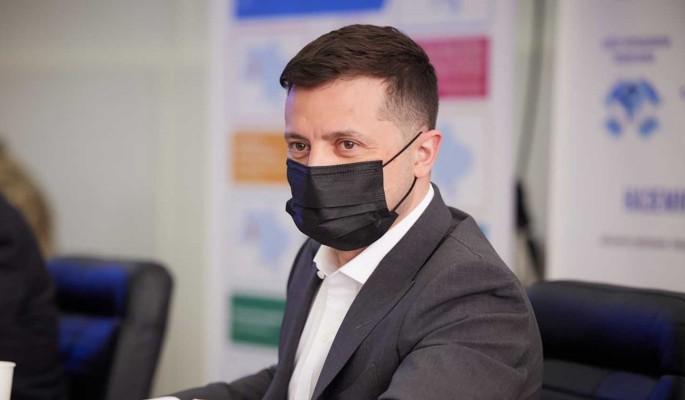 Зеленского подозревают в фальсификации покушения на своего помощника