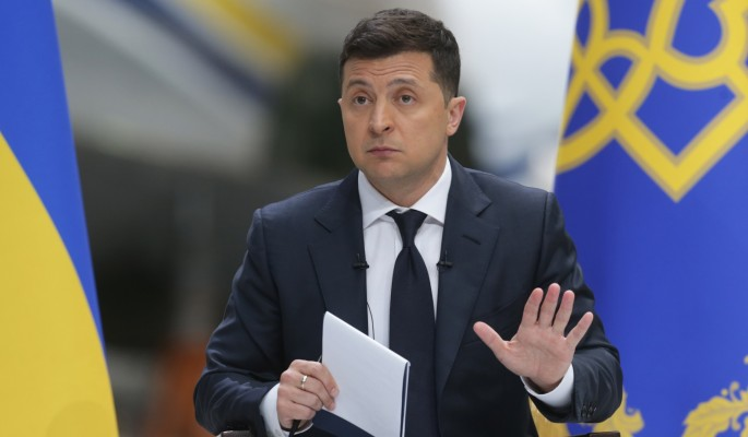 Подполковник СБУ в запасе: Зеленский не перестал быть шутом