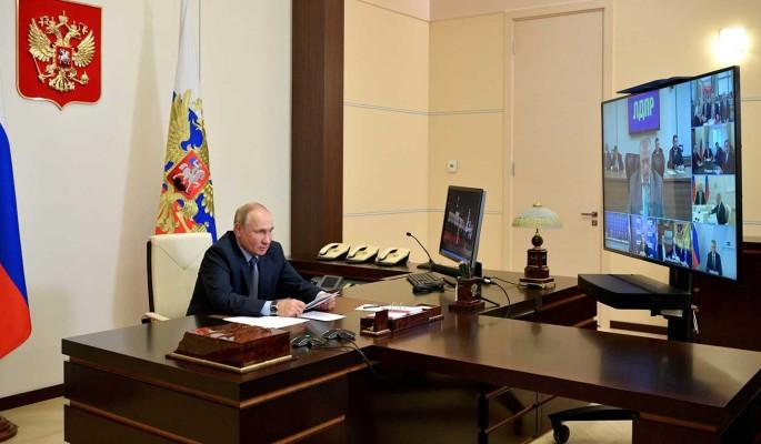 Путин сделал замечание Жириновскому: Мрачновато шутите