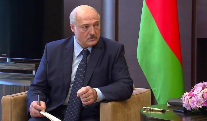 """""""Иначе я буду вечным президентом"""": Лукашенко об условиях своей отставки"""