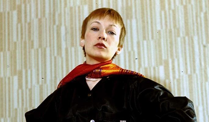 Из актрис в официантки: как сейчас живет известная артистка Елена Коренева