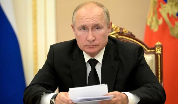 Любил воду с сиропом и гонял хулиганов: школьный друг Путина рассказал, каким президент был в детстве