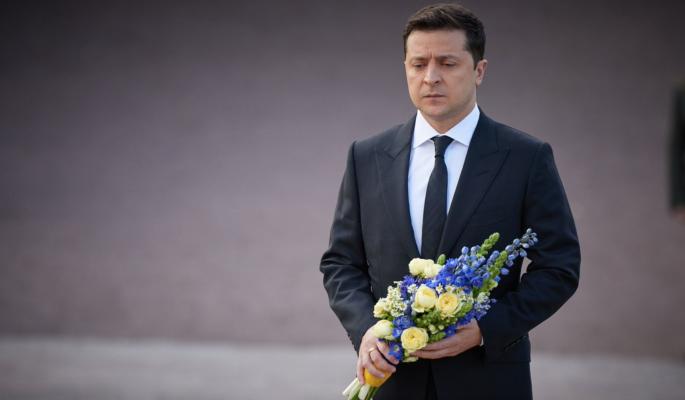 Зеленский помиловал военных преступников с целью установить на Украине диктатуру – политолог Марков